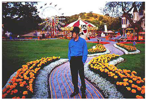 Once-upon-a-time-there-was-a-beautiful-king-who-lived-at-Neverland-michael-jackson-3
