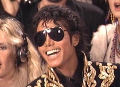 We-are-the-world-michael-jackson-music-videos-9402560-400-290
