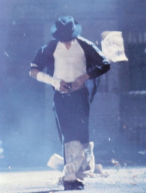 dancing-the-dream-michael-jackson-dancing-786298220