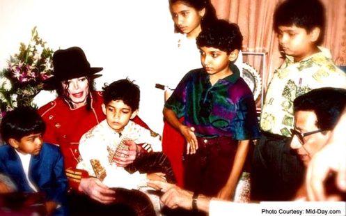Bal Thackeray, his grandson Aditya and other children