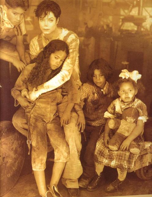 Moon_The-Lost-Children-michael-jackson-27727068-742-960