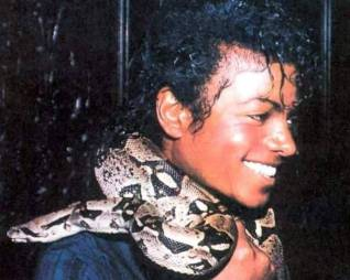 rereading12_276704-michael-jackson-michael-jackson-with-snake-around-neck