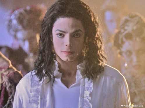 rereading17_Ghosts-michael-jackson-16008708-1280-957