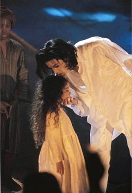 earth-song-brit-awards