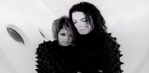 scream-hugging-michael-and-janet