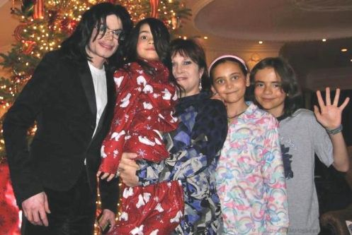 carrie-fisher_-michael-jackson_christmas-2008