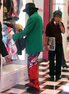Michael shopping Ed Hardy1