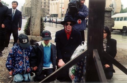 bucareste romenia 96 reza pelos jovens mortos revol dez 1989