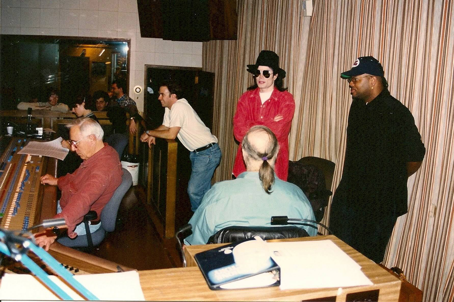 Jimmy Jam, Bruce Swedien, Michael and some of the crew during the HIStory project in New York in 1994-studio